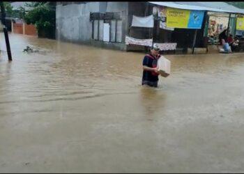 Banjir Setinggi Paha Orang Dewasa Rendam Kawasan Jondul Rawang Padang